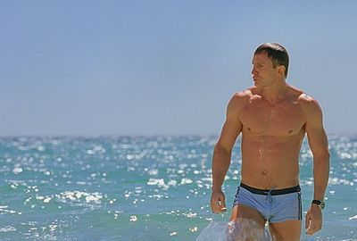Daniel Craig - James Bond - Swimwear